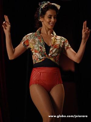 Tania Khalill é Dália, bailarina do Cabaré Pacheco Leão (Foto: Joia Rara/ TV Globo)