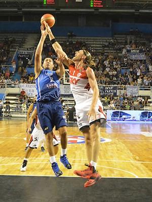 flamengo x penharol basquete (Foto: Divulgação/FIBA)