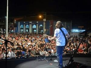 Lenine fez show em comemoração ao aniversário de Registro (Foto: Divulgação)