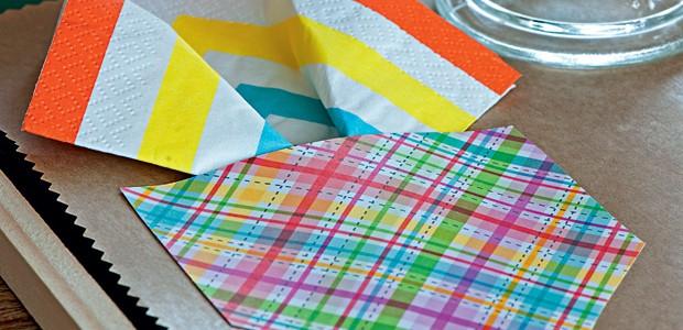 Toalha de mesa de papel kraft (Foto: Iara Venanzi/Editora Globo)