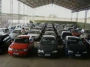 243 motos e 56 carros serão leiloados (Foto: Reprodução / Inter TV)