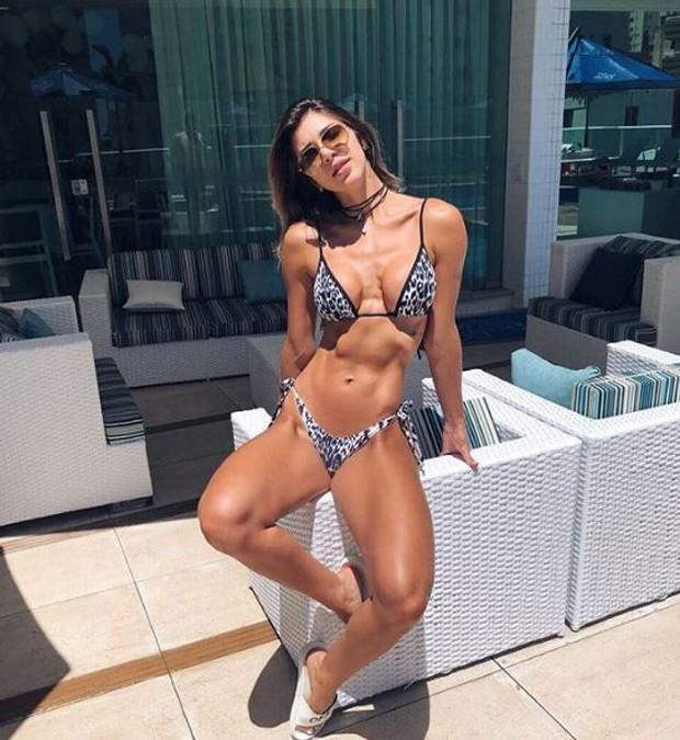 A ex-BBB Tatiele Polyana pegando sol (Foto: Reprodução/Instagram)