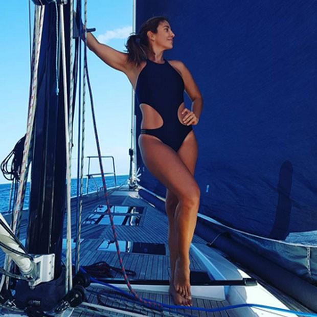 Ivete Sangalo posa de maiô em barco (Foto: Instagram/ Reprodução)