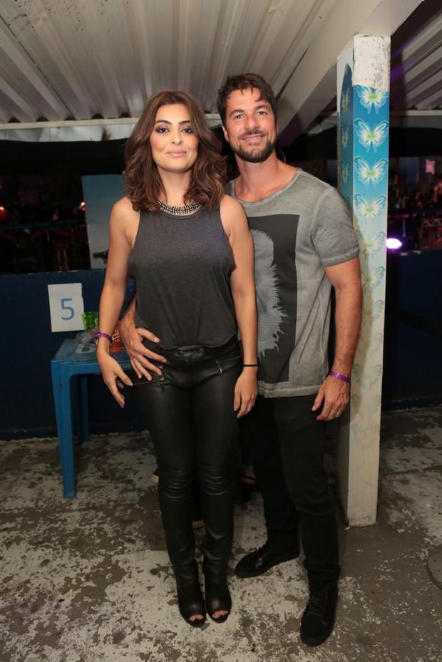 Juliana Paes com o marido (Foto: Reginaldo Teixeira/Divulgação)