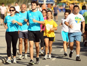 Grupo treina para a Corrida Bote Fé na Vida (Foto: Mauricio Val)