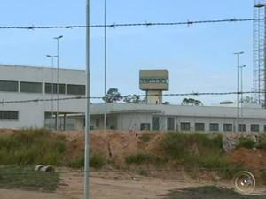 Obra custou R$ 40 milhões e terá capacidade para 660 reeducandas (Foto: Reprodução/TV TEM)