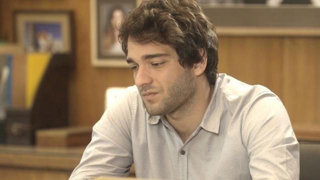 Tiago (Humberto Carrão) (Foto: Reprodução)