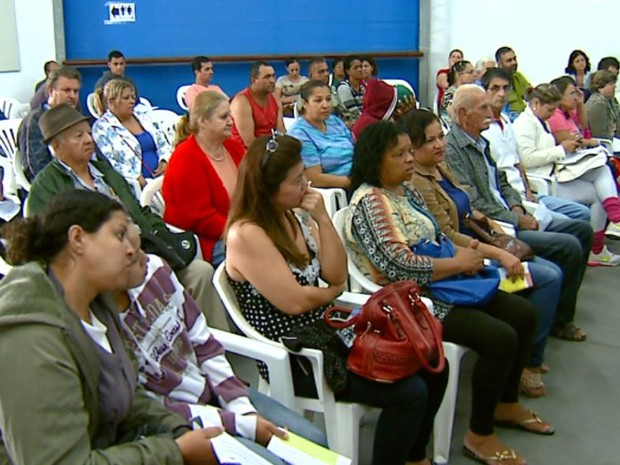 Centro de triagem e hidratação da dengue está lotado em Rio Claro (Foto: Ely Venâncio/EPTV)