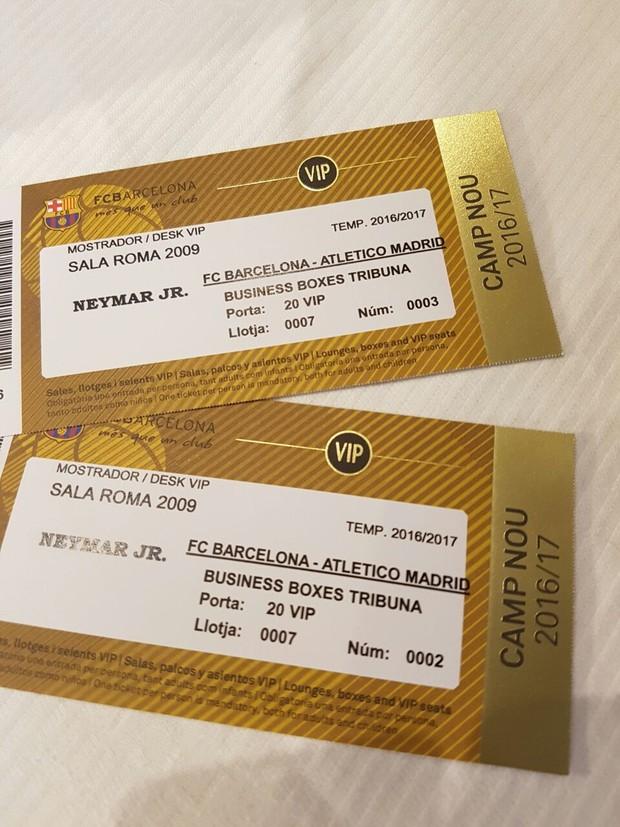 Belo e Gracyanne Barbosa ganham convites VIP de Neymar para jogo do Barcelona (Foto: R2assessoria/Divulgação)