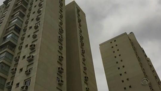 Criança morre após cair de 13º andar de prédio em Porto Alegre