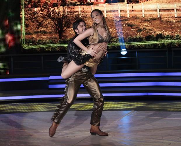 Raquel Guarini e Rodrigo Simas (Foto: Domingão do Faustão / TV Globo)