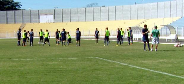 Guarani treina em Jaguariúna nesta sexta-feira (Foto: Carlos Velardi / EPTV)