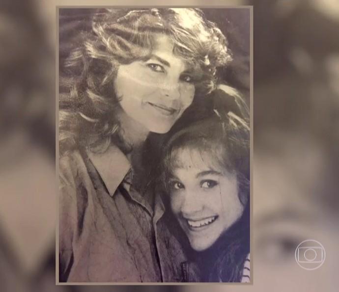 Flávia Alessandra e a mãe, Rachel Costa (Foto: TV Globo)