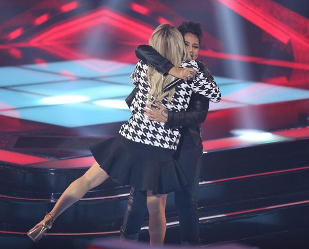 Nise e Claudinha: abraço apertado sela parceria (Foto: (Foto: Isabella Pinheiro/TV Globo))