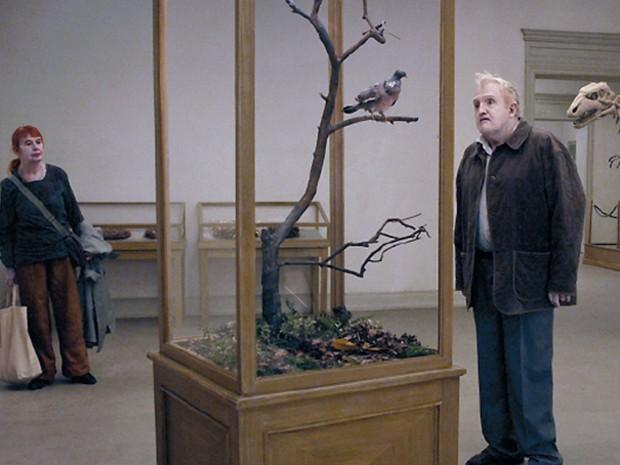 Cena de 'A pigeon sat on a branch contemplating existence' (Foto: Divulgação)