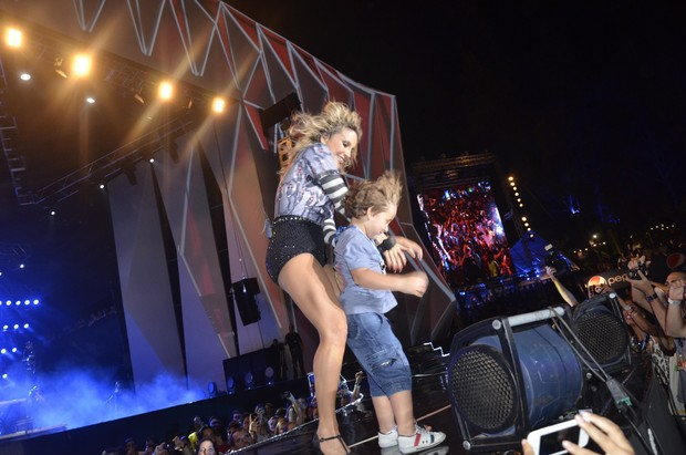 Davi no palco (Foto: Fred Pontes/ Divulgação)