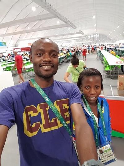 Makarobondo Salukombo e Beatrice Kamuchanga (Foto: Reprodução)