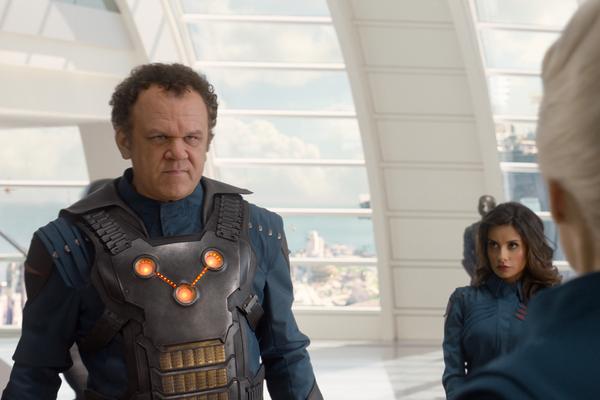 A atriz Mikaela Hoover em cena de Guardiões da Galáxia (2014) (Foto: Reprodução)
