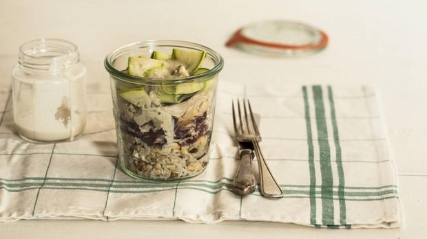 'Cozinha Prtica' - Rita Lobo - Episdio 06 - Marmita - Salada 7 gros com frango e tahine (Foto: Reproduo / GNT)