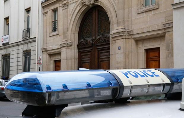 Polícia francesa cumpre mandados de busca e apreensão na sede do Google em Paris. (Foto: Matthieu Alexandre/France Presse)