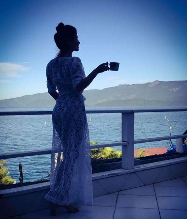 Paula Fernandes grava vídeo de música em Paraty (Foto: Reprodução / Instagram)