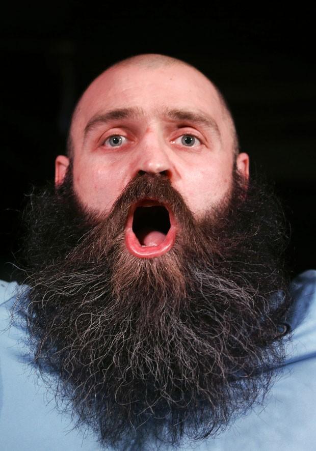 Competidor durante Campeonato Russo de Barba e Bigode (Foto: Artur Bainozarov/Reuters)