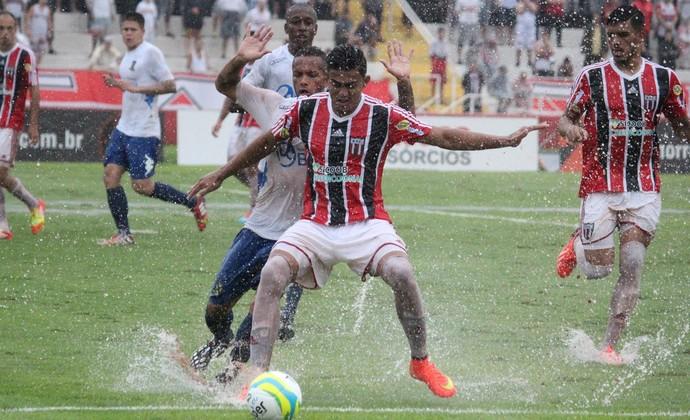 Caíque, Botafogo-SP x Santo André (Foto: Cleiton Carvalho / Agência Botafogo)