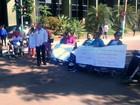 Cadeirantes fazem protesto e fecham trecho de rua no Centro de Rio Branco