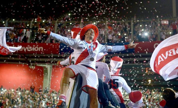River Plate com o troféu Argentina (Foto: EFE)