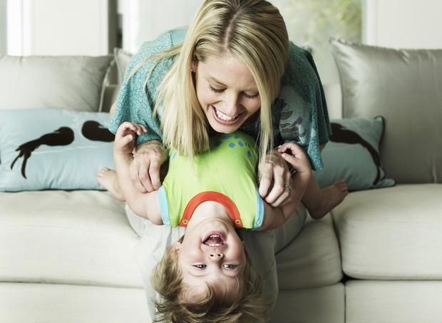 Como ser uma mãe mais feliz? (Foto: Thinkstock)