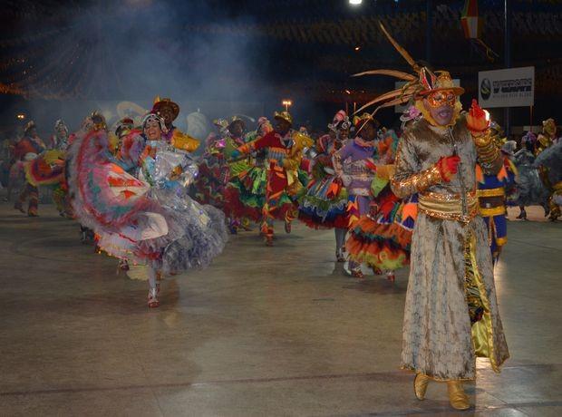 Quadrilha Asa Branca, de Aracaju, foi a segunda colocada da noite (Foto: Denise Gomes /G1 SE)