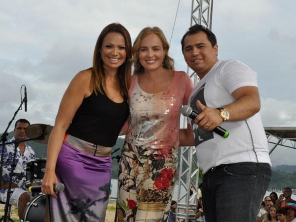 Solange Almeida e Xand, do Aviões do Forró, em gravação do 'Estrelas' em Paraty, no Rio (Foto: Divulgação)