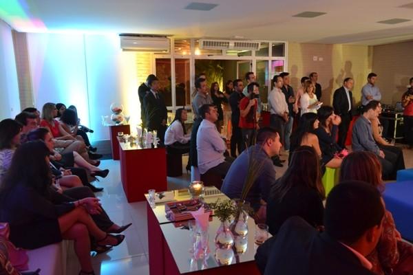 Convidados prestigiam o evento de lançamento da programação 2014  (Foto: Reprodução / TV Diário)