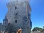Marina Ruy Barbosa usa macaquinho curtinho para passear em Portugal