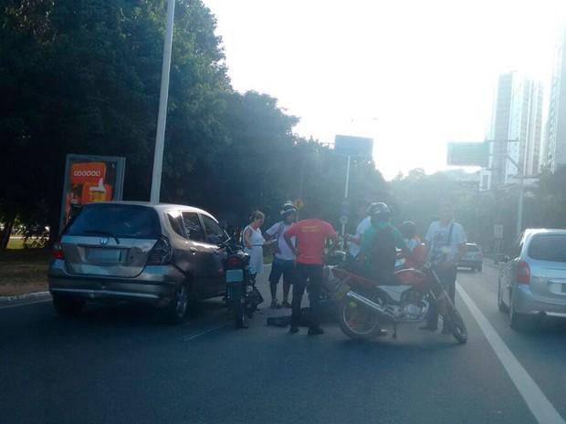 Motociclista ficou ferido após cair da motociclista (Foto: Arquivo Pessoal)