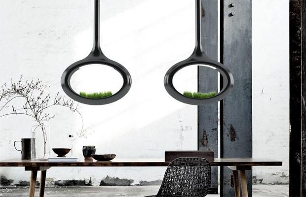 Luminária futurista funciona como pequeno jardim (Foto: Divulgação)