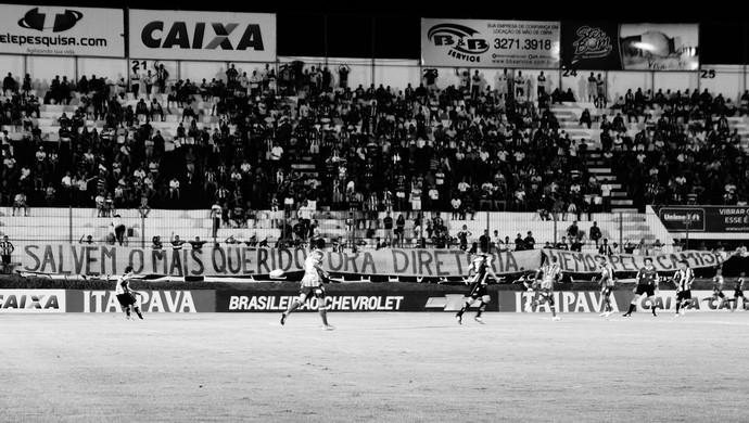 ABC rebaixamento preto e branco (Foto: Augusto Gomes/GloboEsporte.com)