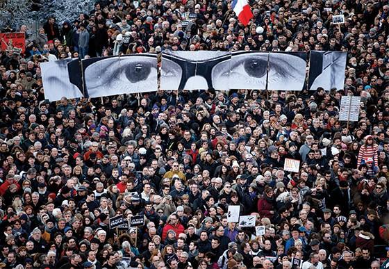 Passeata em Paris após o ataque ao Charlie Hebdo (Foto: Charles Platiau / Reuters)