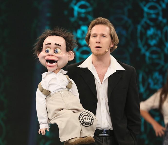 O boneco ventríloquo Yakko Sideratos conquistou a plateia do Domingão (Foto: Carol Caminha / Gshow)