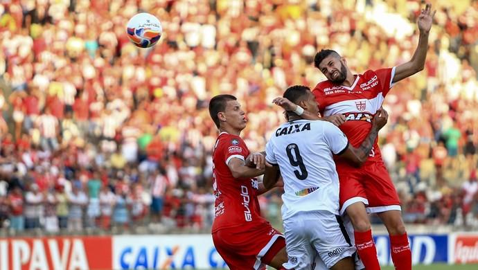 Meia do CRB, Gerson Magrão foi um dos destaques do jogo (Foto: Ailton Cruz/Gazeta de Alagoas)