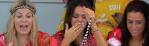 Bruna Marquezine curte folia no trio de Ivete e pede colar do Gandhy (Max Haack/Ag Haack/Agecom)