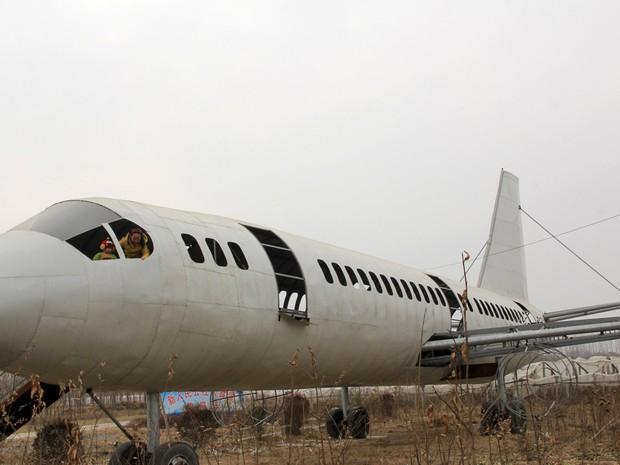 Lanqun levou um ano para construir avião (Foto: Reuters)