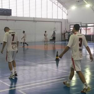 Treino Grêmio Mogiano (Foto: Verônica Martucci)