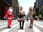 É Natal! Misses Bumbum circulam pela Avenida Paulista vestidas de renas