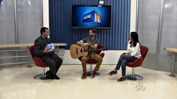 Artista veio ao programa com sua produtora musical (Foto: Acre TV)