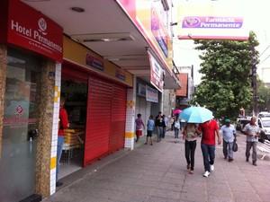 Lojas fecharam, mas já estão reabrindo em Garanhuns (Foto: Danilo César/ TV Asa Branca)