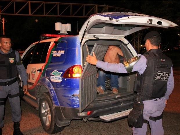 Motorista foi detido e poderá responder por embriaguez ao volante (Foto: Marcos Dantas/G1 AM)