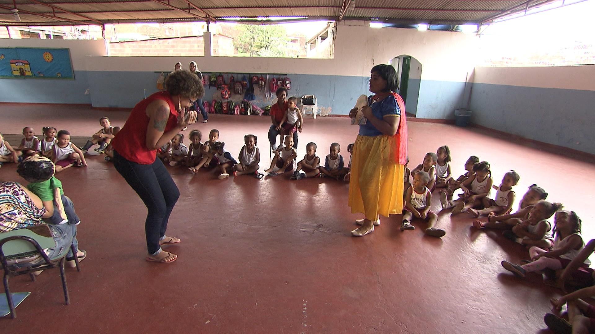 Uma das minibibliotecas foi instalada na creche comunitária Criança Feliz (Foto: Divulgação)