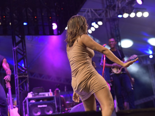 Funkeira levantou público ao mostrar samba no pé (Foto: Elias Dantas/Ag.Haack)