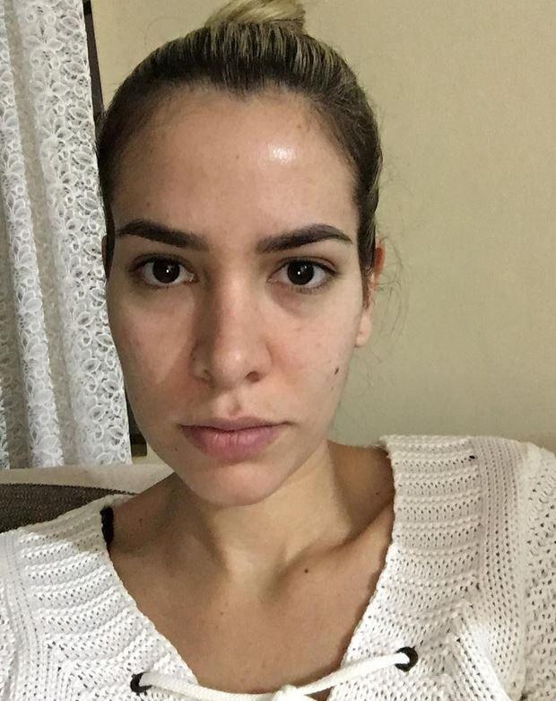 Adriana SantAnna sem maquiagem (Foto: Reprodução/Instagram)